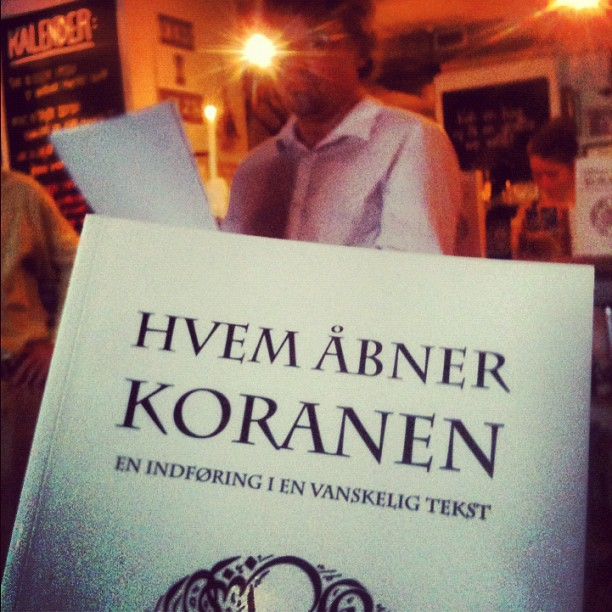 Carsten Agger ved reception for 'Hvem �bner Koranen'